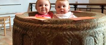 Babysalmesang i Hover
