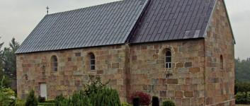Nyt tag på Torsted Kirke